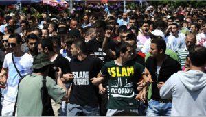 Islamic protest to support terrorist killings