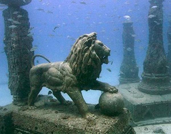 Cleopatra's Underwater Palace Alexandria Egypt